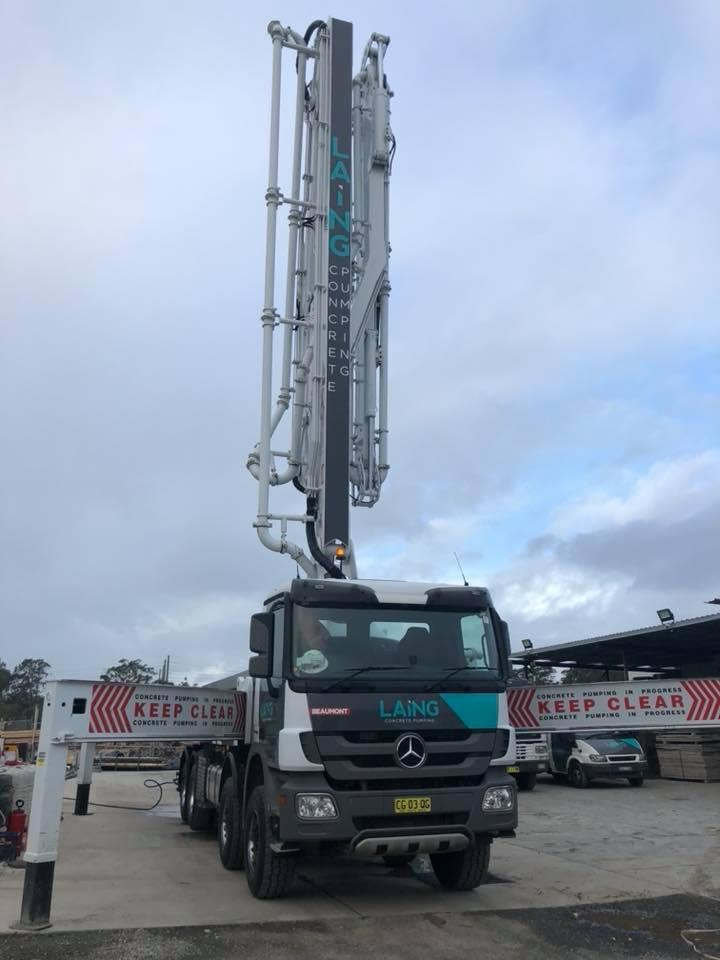 43m concrete pump truck extended